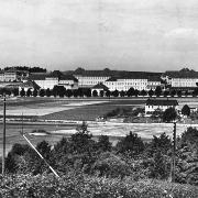 Pohled na areál od železniční trati