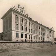 Hlavní fasáda gymnázia, SOkA Havlíčkův Brod