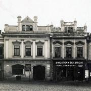 Zbořené domy čp. 168 a 167 na náměstí