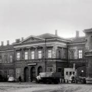 Stará výpravní budova před zbořením, 60-70. léta 20. století